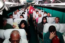 El primer grupo de cubanos que viajaron con éxito de Costa Rica hacía México por aire y tierra.