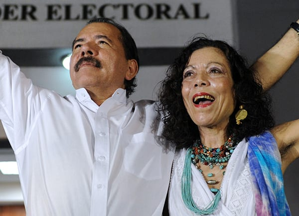 Daniel Ortega y Rosario Murillo. RODRIGO ARANGUA/AFP/Getty Images)