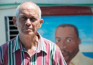 El Pastor Suárez recientemente contó su historia en la UMAP a un joven historiador cubano. Foto: Raquel Pérez Díaz