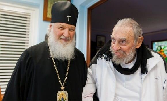 El patriarca Krill con Fidel Castro el 13 de febrero de 2016.