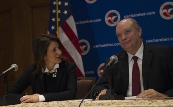 Conferencia de prensa de Rodrigo Malmierca. A su lado Jodi Bond, vicepresidenta para las Américas de la Cámara de Comercio de EEUU. Foto: Ismael Francisco/ Cubadebate