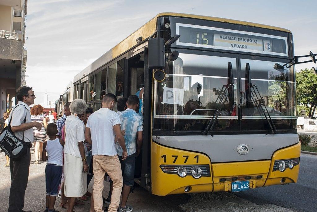 El transporte en La Habana.  Foto: Caridad