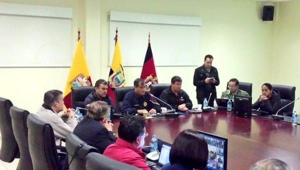 Desde la madrugada el mandatario ecuatoriano Rafael Correa encabezó las operaciones del Comité de Operaciones de Emergencias. Foto: Presidencia Ecuador