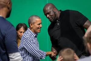 Barack Obama y Shaquille O'Neal. Foto: scoopnest.com.it