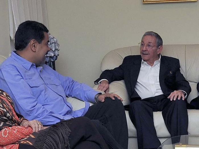 Raúl Castro con Nicolás Maduro. Foto/archivo: granma.cu