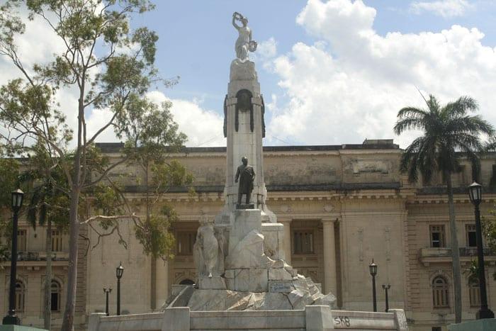 Antigua audiencia provincial, donde celebraba los juicios el tribunal de urgencias. Foto: Elio Delgado Valdés