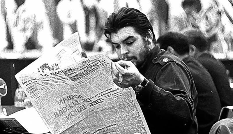 El Che Guevara en los años 60 advertía a los periodistas para que no fuéramos asalariados dóciles al pensamiento oficial.