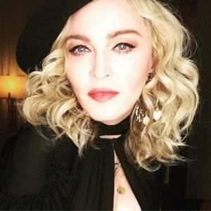 Madonna de su página de Facebook