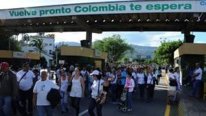 Venezolanos regresando de Colombia.  Foto:  globovision.com