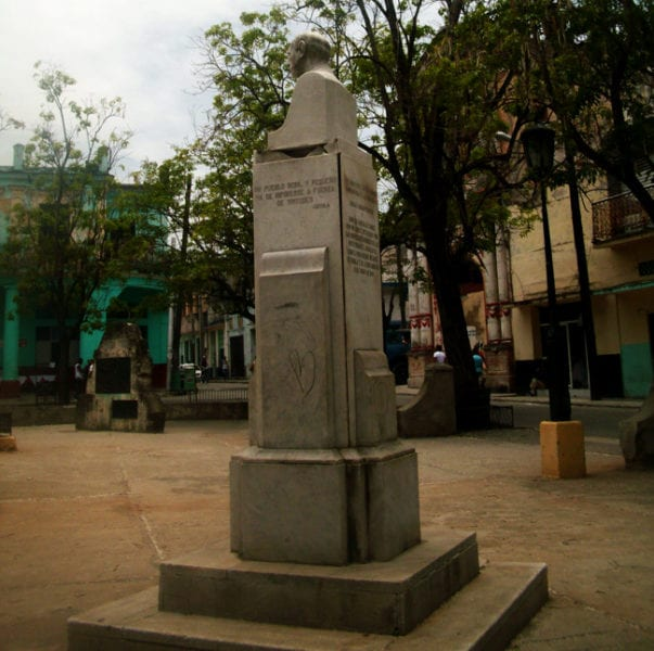 La estatua Coyula.