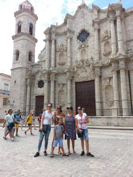 Con mi familia en La Havana Vieja.