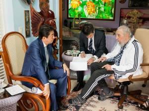 Shinzo Abe y Fidel Castro en La Habana 22-9-2016. Foto: Alex Castro