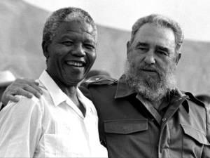 Nelson Mandela y Fidel Castro en 1991. Foto/archivo: cubadebate.cu