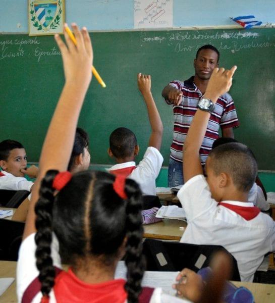 """Escuela Primaria """"Miguel Figueroa García"""" Foto: Anabel Díaz Mena 28/11/2011 Escu2614"""