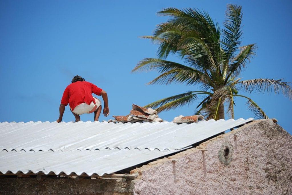 En esta ocasión, muchos de los materiales fueron transportados para la zona oriental antes de que llegara el huracán. Foto: Raquel Pérez Díaz