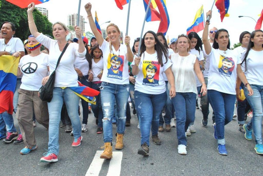 La marcha de las mujeres de blanco en Caracas. Foto: lapatilla.com