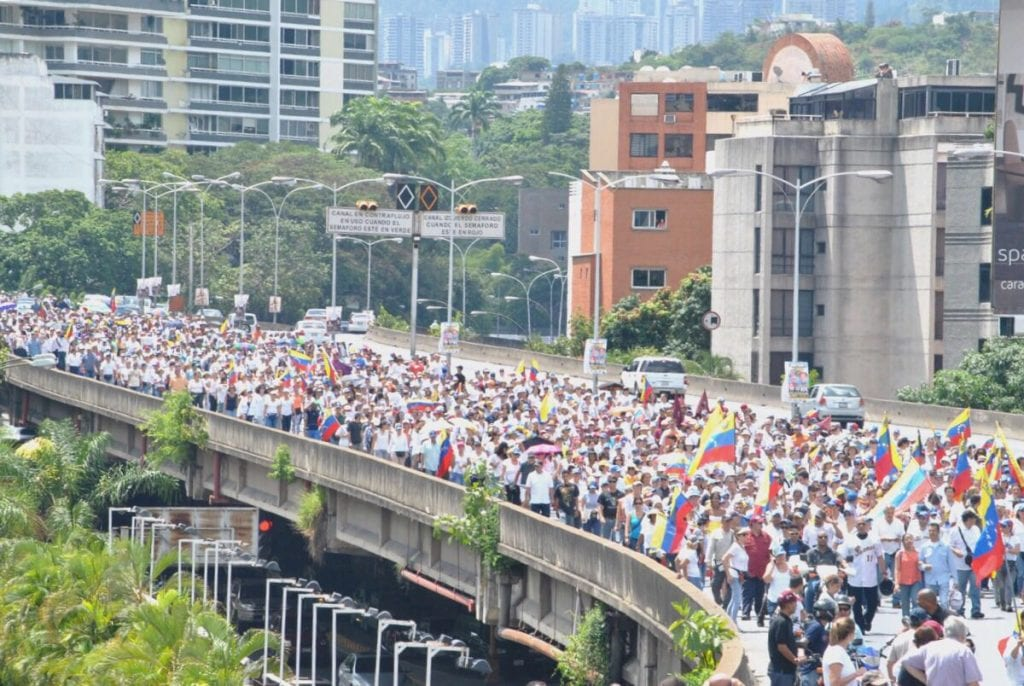 Marcha de mujeres de blanco en Caracas del 22/10/2016. Foto: lapatilla.com