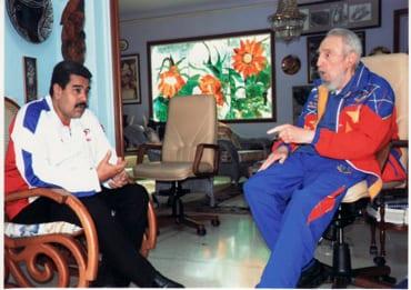 Nicolás Maduro en uno de sus frecuentes visitas con Fidel Castro en  La Habana. Foto: Estudios Revolución
