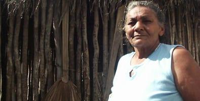 Mercedes Quesada, una natural de Jiguaní que conserva algunos rasgos de los indígenas, confesó hace varios años que en los lugares en los que ha vivido nunca ha faltado el caney. Foto: Juventud Rebelde
