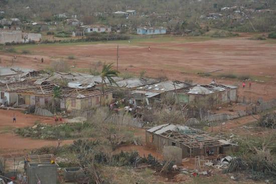 Vista aéreas de casas en la punta de Maisí, el extremo más oriental de la Isla, duramente castigado por el Huracán Matthew. Foto: Juan Pablo Carreras/ Solvisión