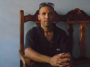 Manuel Alejandro León Velázquez de Diario de Cuba fue otro periodista detenido en Baracoa después del huracán Matthew.