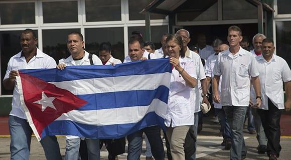 Médicos cubanos. Foto: Ismael Franicisco/cubadebate