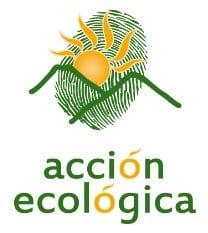 Una de las organizaciones protestando es Acción ecológica.