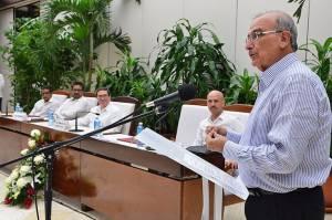 Humberto Calle, negociador del gobierno de Colombia con las FARC.  Foto elpais.com.co