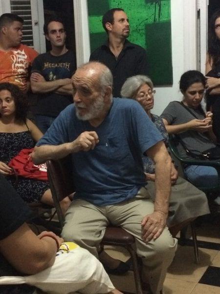 Rafael Alcides (c) en la presentación del documental de Miguel Coyula.