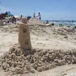 Arte efímero sobre las arenas de Guanabo
