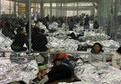 Niños migrantes enjaulados en EE.UU. recibirán jabon y pasta dental; Julio fue mas caliente que nunca, y mas noticias