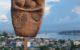 Imagen Pachamama creada por Rafael Sánchez Ruiz. Al fondo la Bahía de La Habana