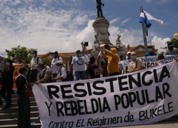 Bukele acelera un modelo autoritario en El Salvador
